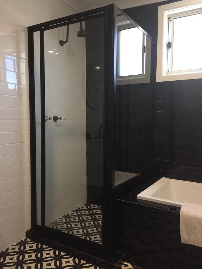 Nu-View Aluminium Windows, Doors & Glass - Black Fully Framed Shower