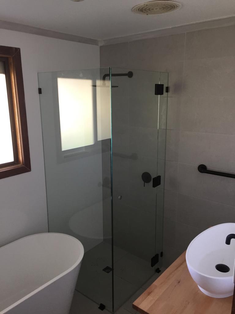 Nu-View Aluminium Windows, Doors & Glass - Frameless Shower