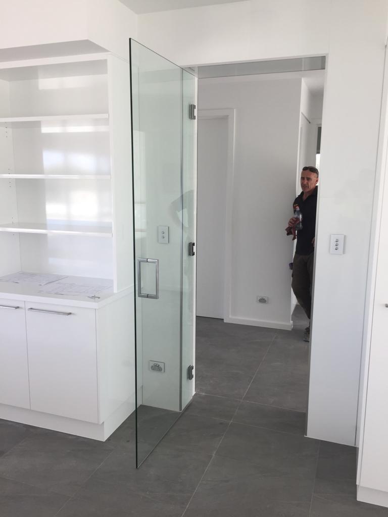 Nu-View Aluminium Windows, Doors & Glass - Frameless Glass Door
