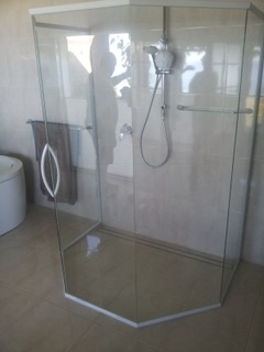 Nu-View Aluminium Windows, Doors & Glass - Hex Shower